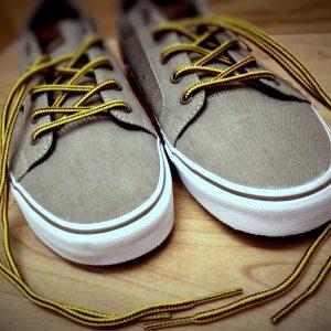 sneakers-759212_1920